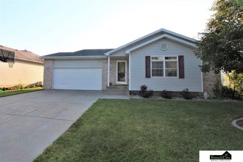 4911 NW Fairway Drive, Lincoln, NE 68521
