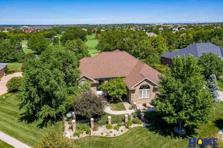 9427 Hollow Tree Court, Lincoln, NE 68512
