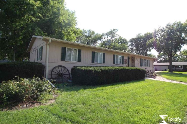 207 W Campbell Street, Shickley, NE 68436