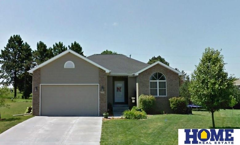 800 Goldenrod Circle, Hickman, NE 68372
