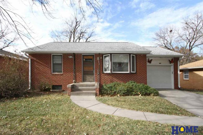 815 Santa Monica Avenue, Lincoln, NE 68504
