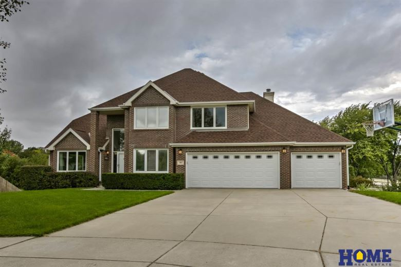 5811 Kennelley Court, Lincoln, NE 68516