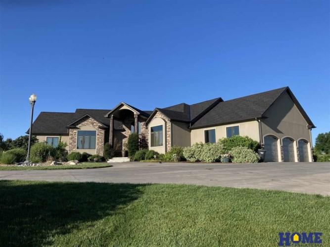5111 New Castle Road, Lincoln, NE 68516
