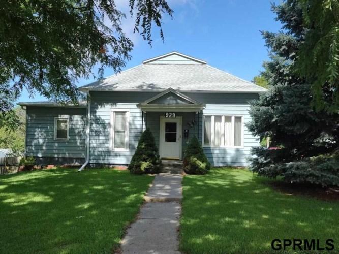 929 D Street, Fairbury, NE 68352