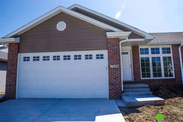 1538 Open Sky Lane, Lincoln, NE 68522