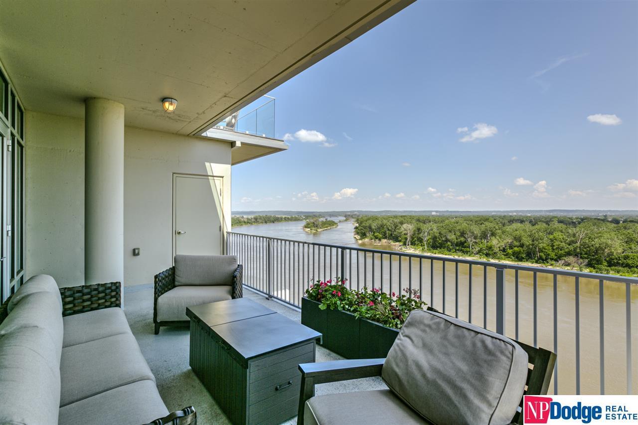 444 Riverfront Plaza #1402, Omaha, NE 68102