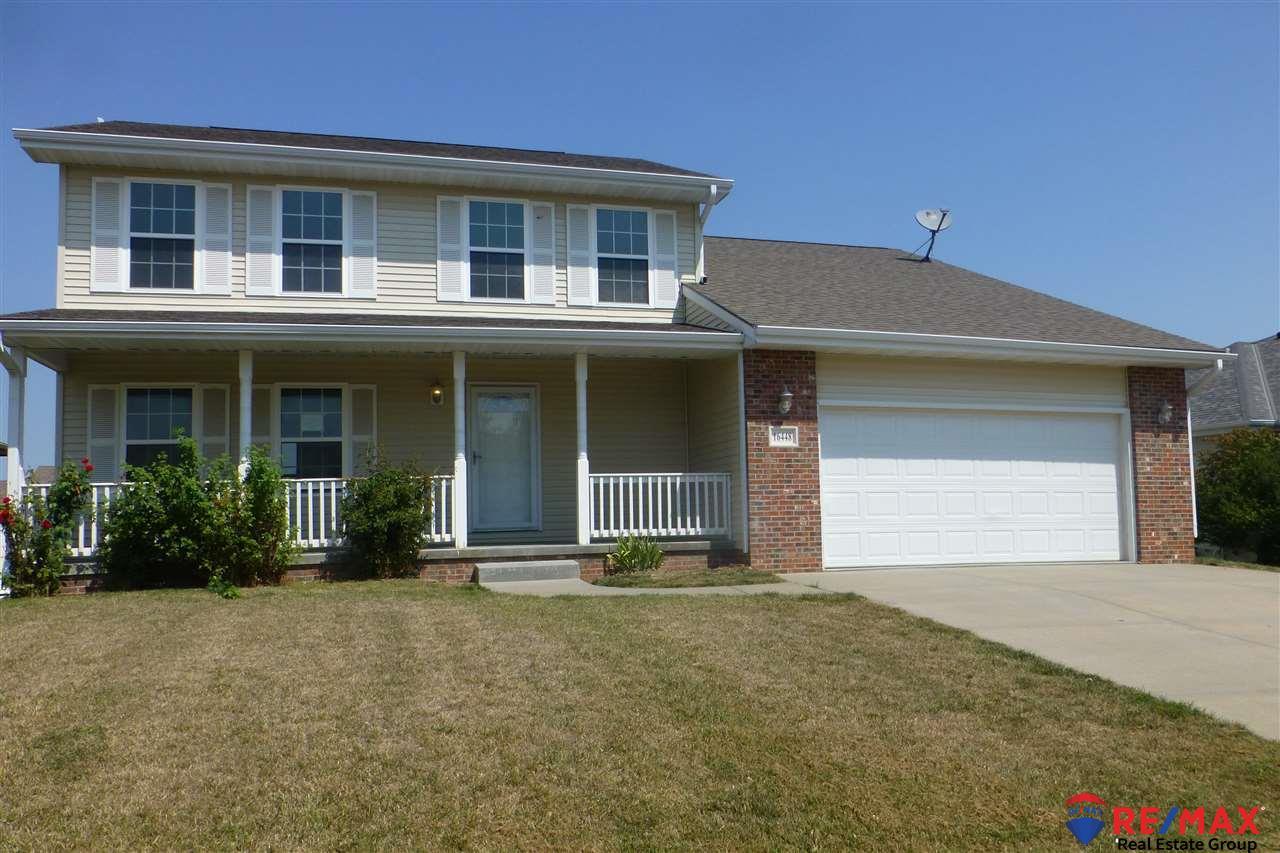 16448 Cottonwood Street, Omaha, NE 68136