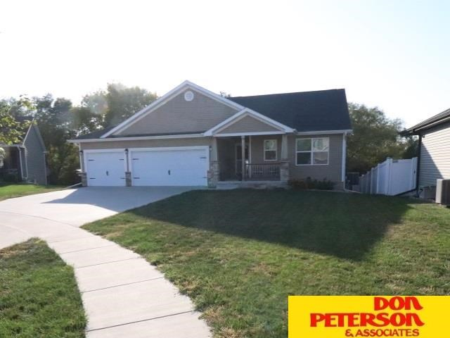 1335 SW Kelsey Circle, Lincoln, NE 68522