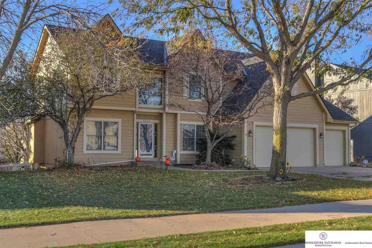 13953 Larimore Avenue, Omaha, NE 68164