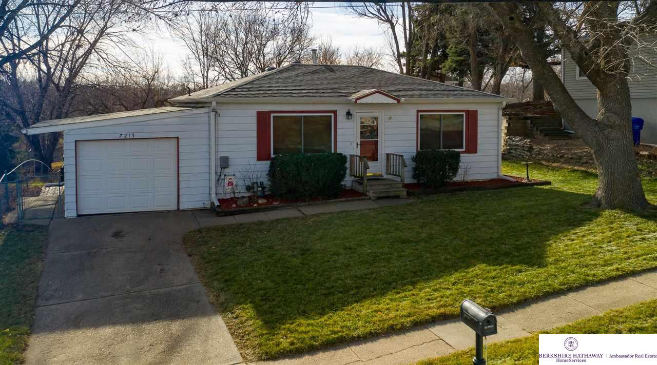 7213 James Avenue, La Vista, NE 68128