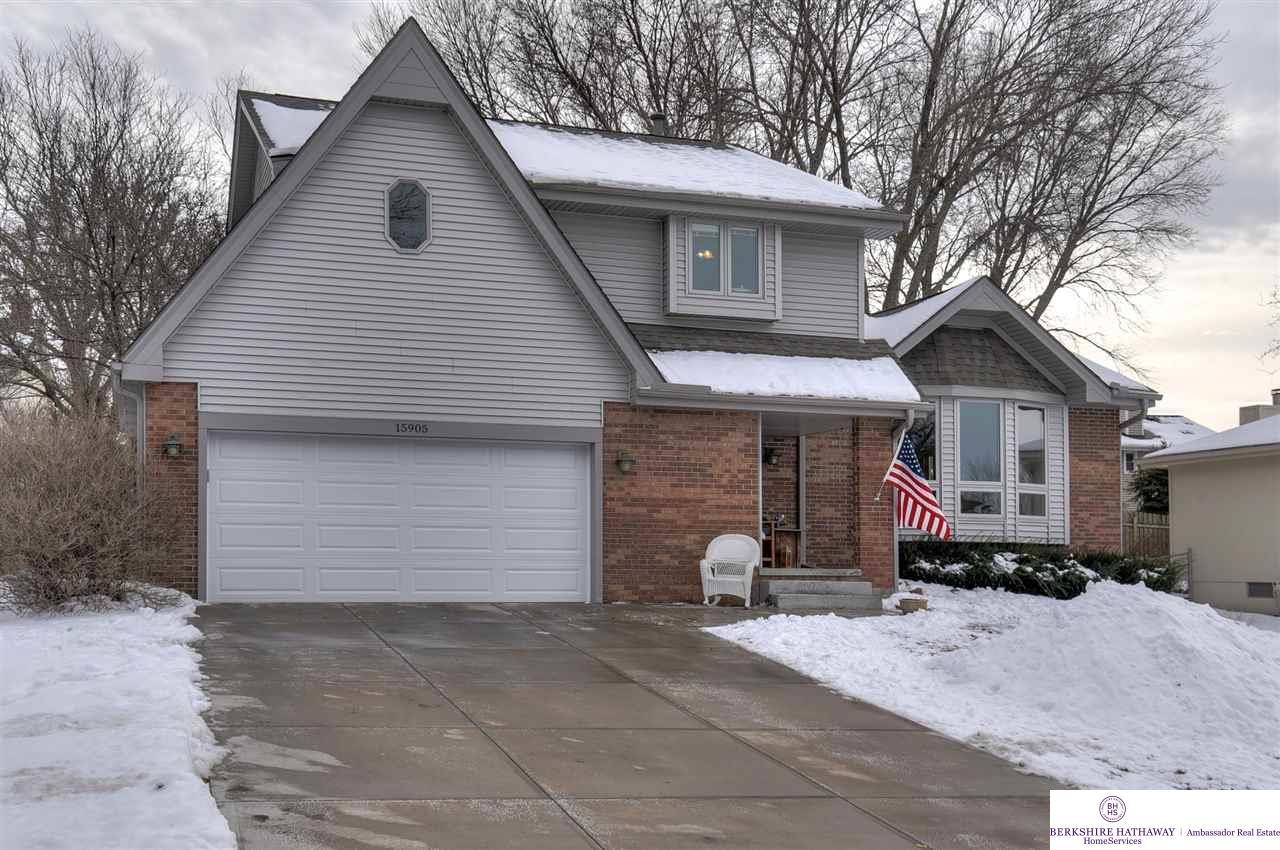 15905 Douglas Circle, Omaha, NE 68118