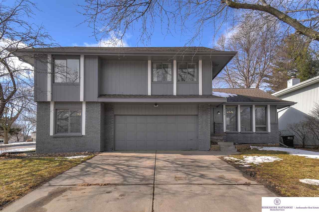 5648 Blackwell Drive, Omaha, NE 68137