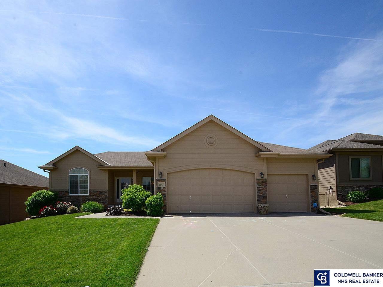 18413 Farnam Street, Omaha, NE 68022