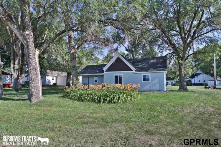 824 Oak Street, Adams, NE 68301