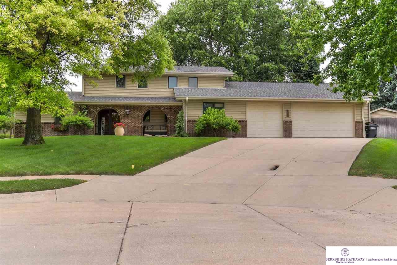 12656 Woodsdale Circle, Omaha, NE 68137