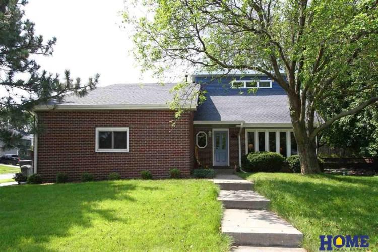 4121 Pinewood Lane, Lincoln, NE 68516