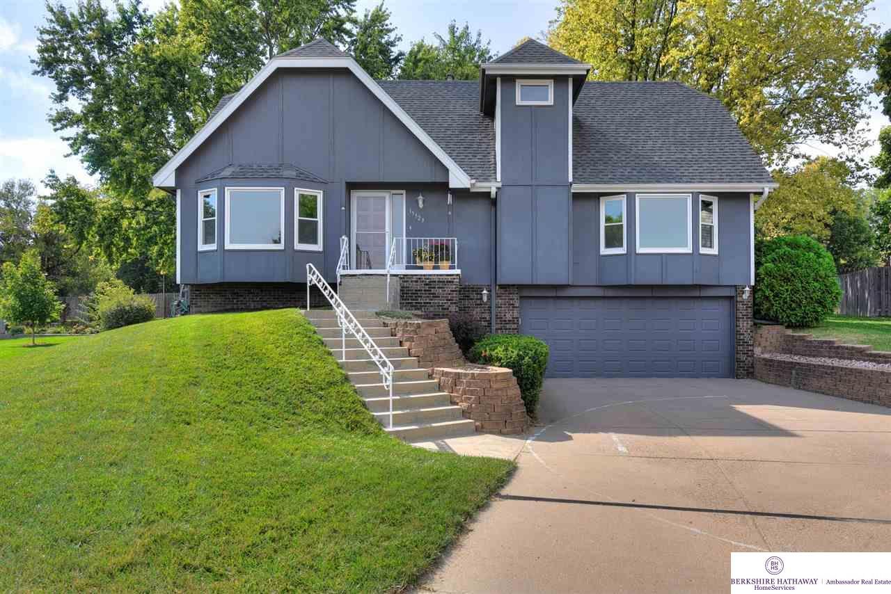 15523 Fieldcrest Circle, Omaha, NE 68154