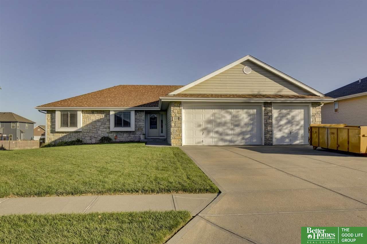 16334 Heather Street, Omaha, NE 68136