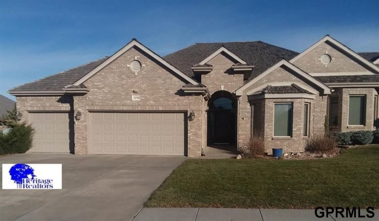 2236 Stone Creek Loop S, Lincoln, NE 68512