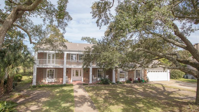 10 Mockingbird Ln, Gulfport, MS 39507