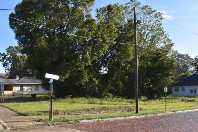 2805-09 Washington St, Vicksburg, MS 39180