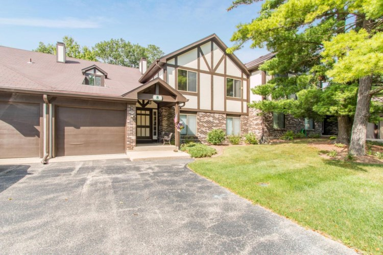 24 Driftwood Ct #D, Williams Bay, WI 53191