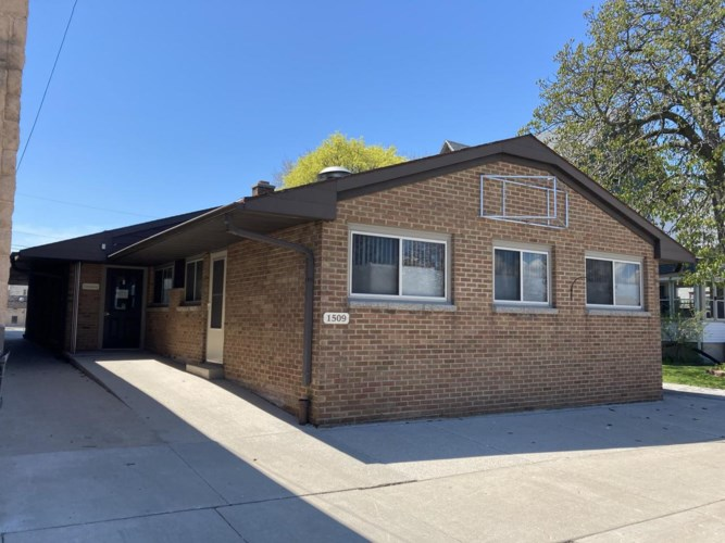 1509 19th St, Two Rivers, WI 54241