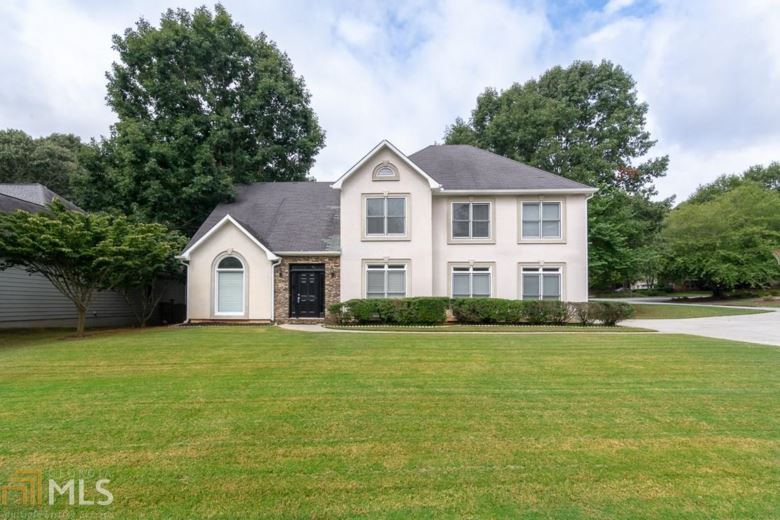 1090 Sunny Field Ct, Lawrenceville, GA 30043