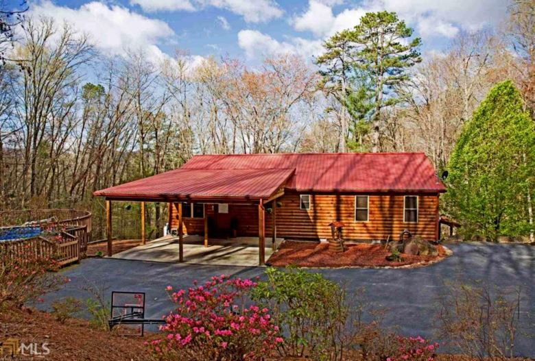 144 Blueberry Ln, Rabun Gap, GA 30568