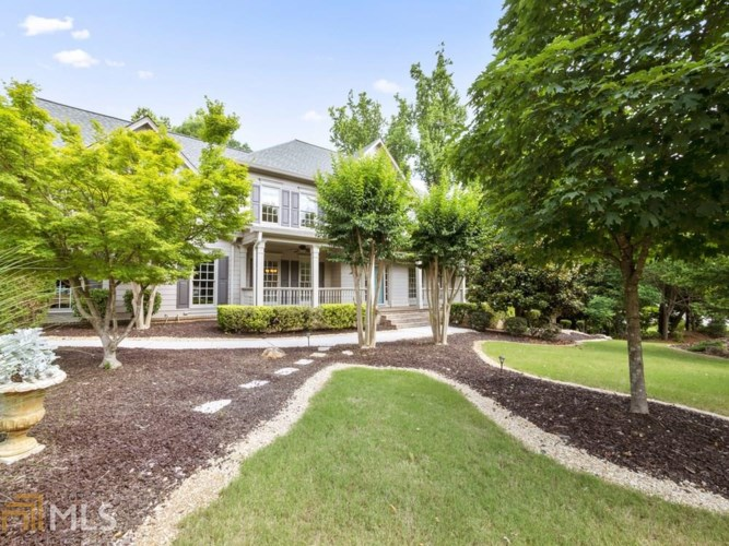 6706 Great Water Dr, Flowery Branch, GA 30542