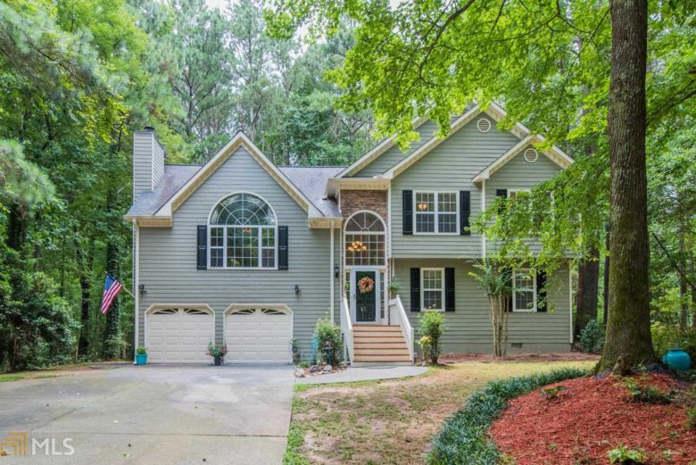 6323 NW Cheatham Lake Dr, Acworth, GA 30101