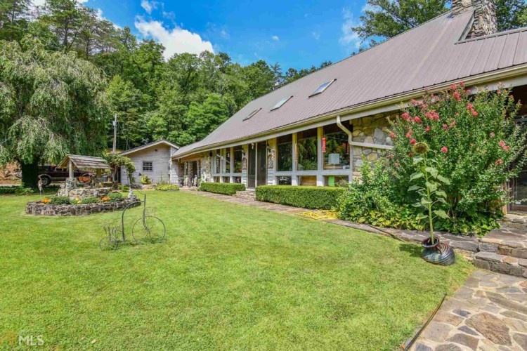 231 W Middle Creek, Otto, NC 28763