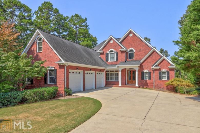 2769 Waters Edge Dr, Gainesville, GA 30504