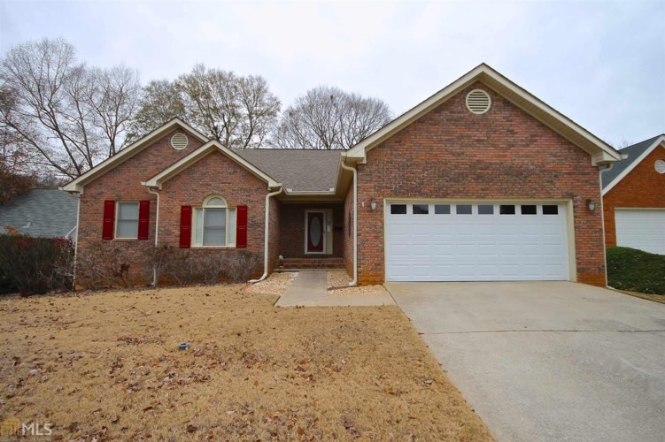 210 Carriage Chase, Fayetteville, GA 30214