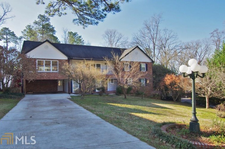 240 Danbury Ln, Atlanta, GA 30327