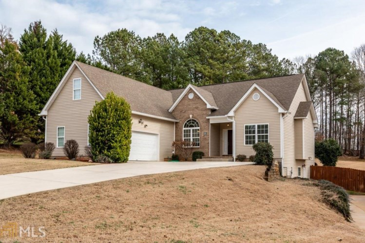 5551 Amber Cove Way, Flowery Branch, GA 30542