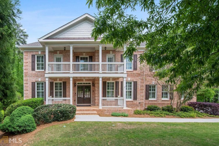 180 Amberly Pl, Roswell, GA 30075