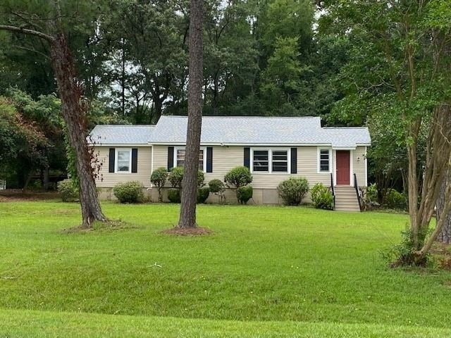 832 Manley Rd, Griffin, GA 30223