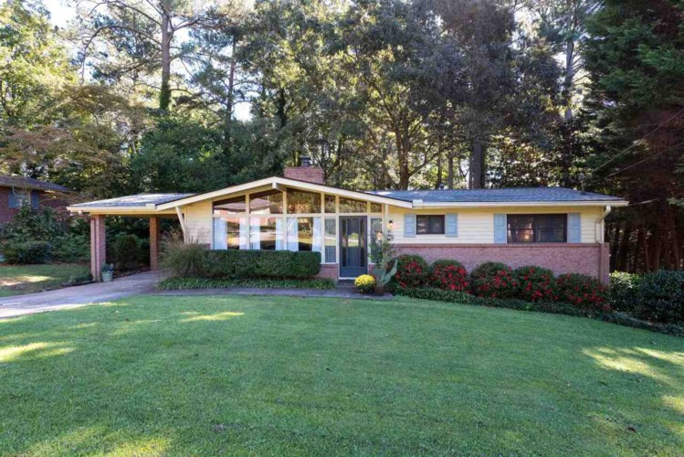 175 Oak Ter, Lawrenceville, GA 30046
