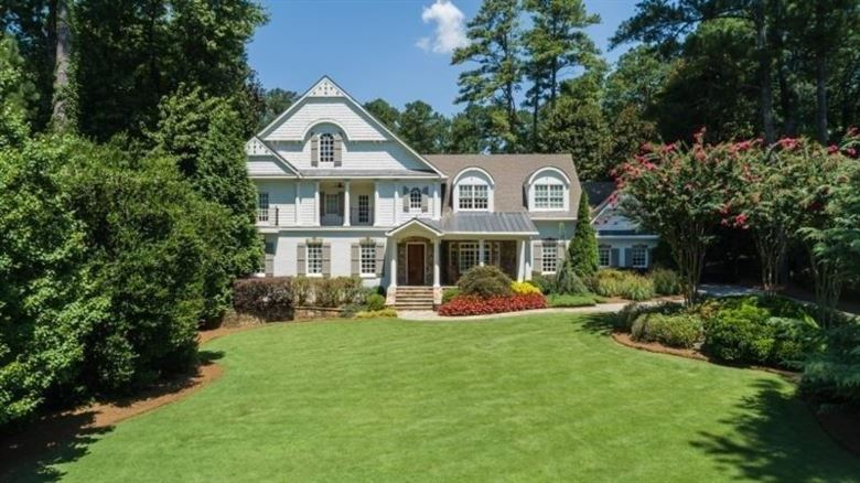 5290 London Drive, Sandy Springs, GA 30327
