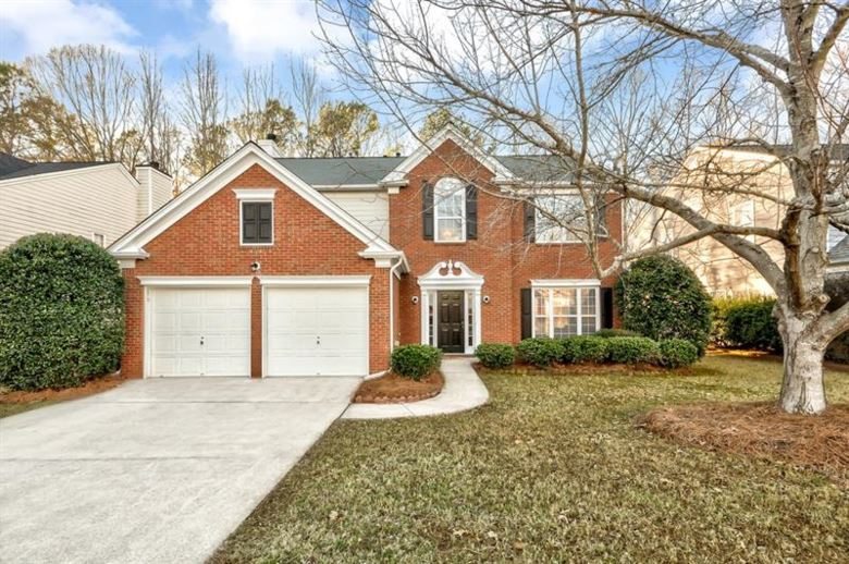 6000 FOXBERRY Lane, Roswell, GA 30075