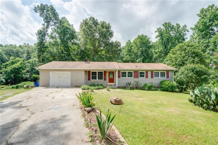 327 Wildwood Drive, Dallas, GA 30132