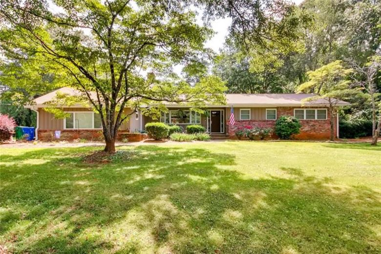 2104 Rosser Place, Stone Mountain, GA 30087