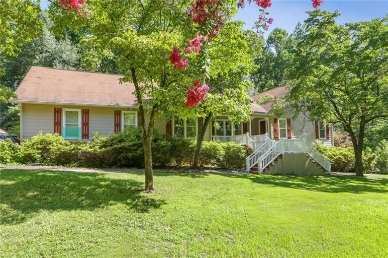 102 Hillview Court, Woodstock, GA 30188