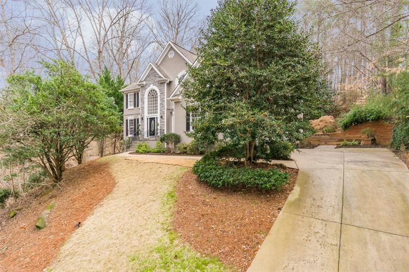 915 N Abbeywood Place, Roswell, GA 30075