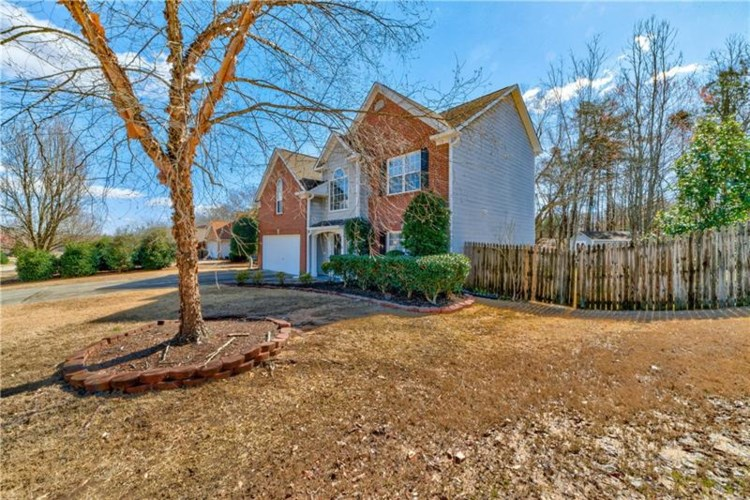 5578 Newberry Point Drive, Flowery Branch, GA 30542