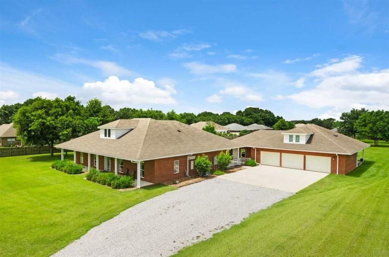 3139 S HWY 97, CANTONMENT, FL