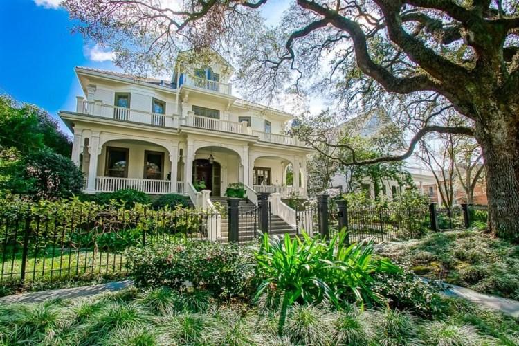 1711 PALMER Avenue, New Orleans, LA 70118
