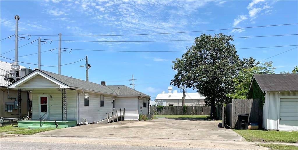 83 HICKORY Avenue , Harahan, LA 70123