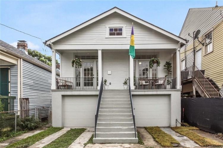 828 DELACHAISE Street, New Orleans, LA 70115